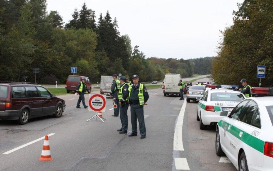 Рейд полиции: один водитель бросился в лес, другой - в реку