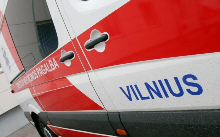 В Вильнюсе в канализационный колодец упала женщина