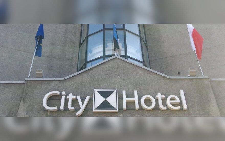 Таллиннская гостиница сняла ичкерийский флаг после звонка из посольства РФ