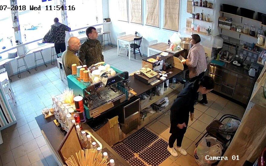 Не обслужившее военных кафе представило свою версию событий