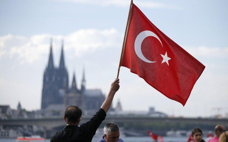 В ФРГ произошла стычка между курдами и турками из-за военной операции Анкары