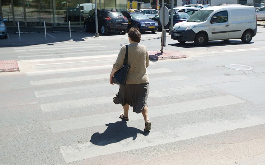 В Каунасе нетрезвый водитель сбил женщину на пешеходном переходе