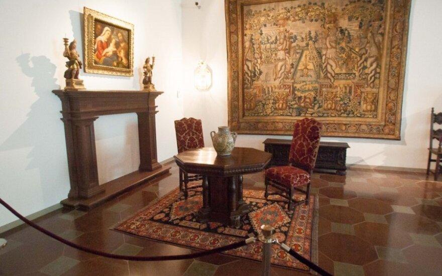 Великокняжеский дворец обещает показать ценные гобелены
