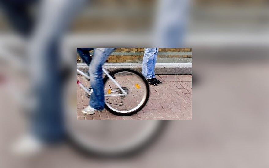 Пьяный водитель сбил ребенка, избил его и забрал велосипед