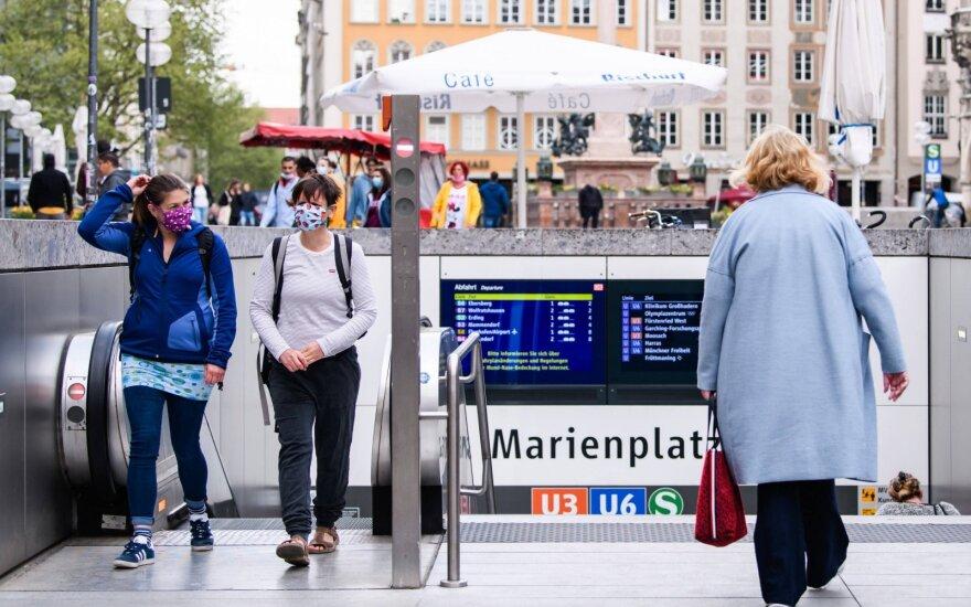 Коронавирус: ситуация в Германии ухудшилась, треть смертей в Британии — в домах престарелых