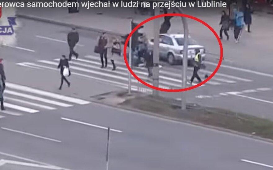 Pijany kierowca samochodem wjechał w ludzi na przejściu w Lublinie