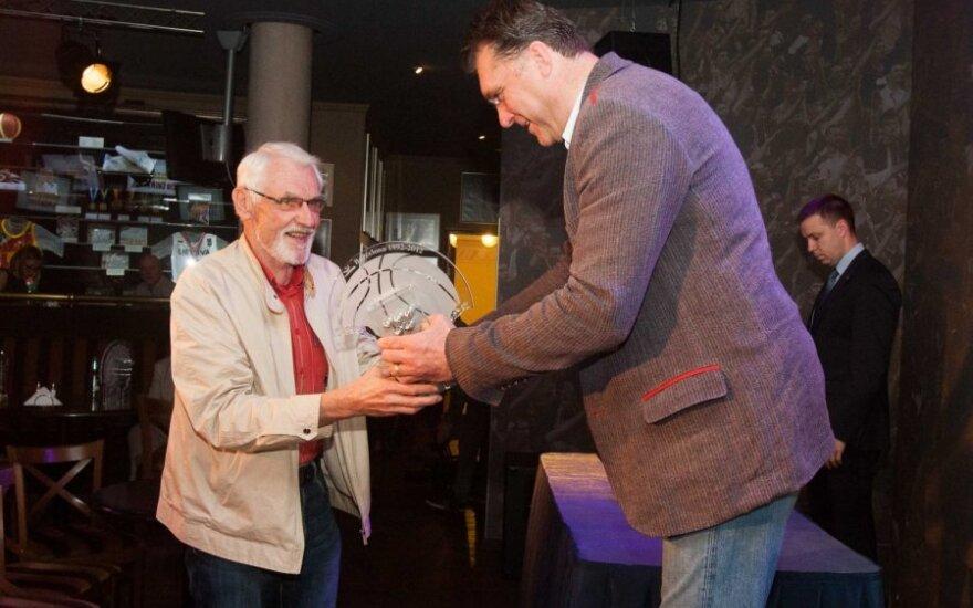 В Вильнюсе наградили членов сборной по баскетболу, завоевавших на олимпиаде в Барселоне бронзу