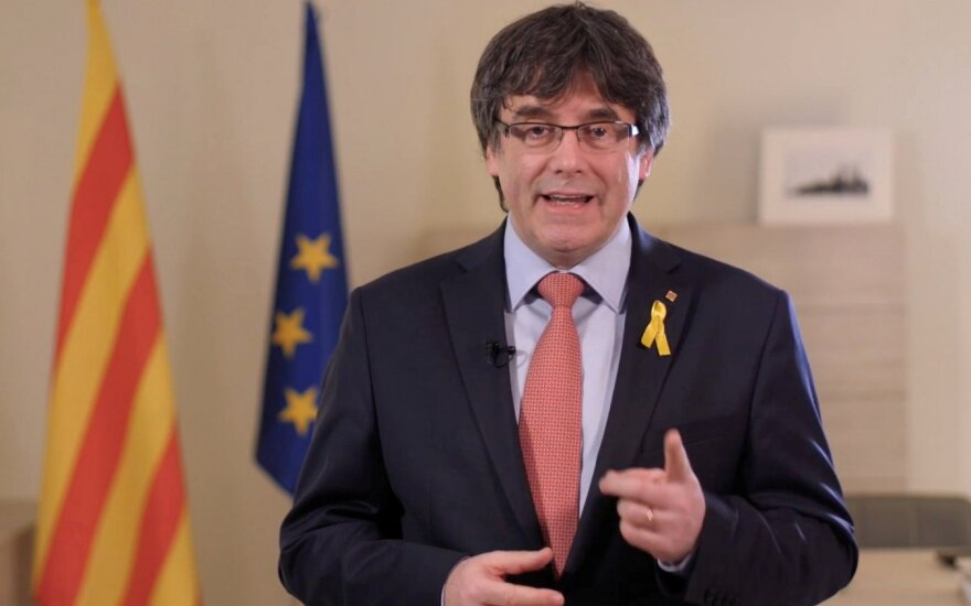 Carlesas Puigdemont'as