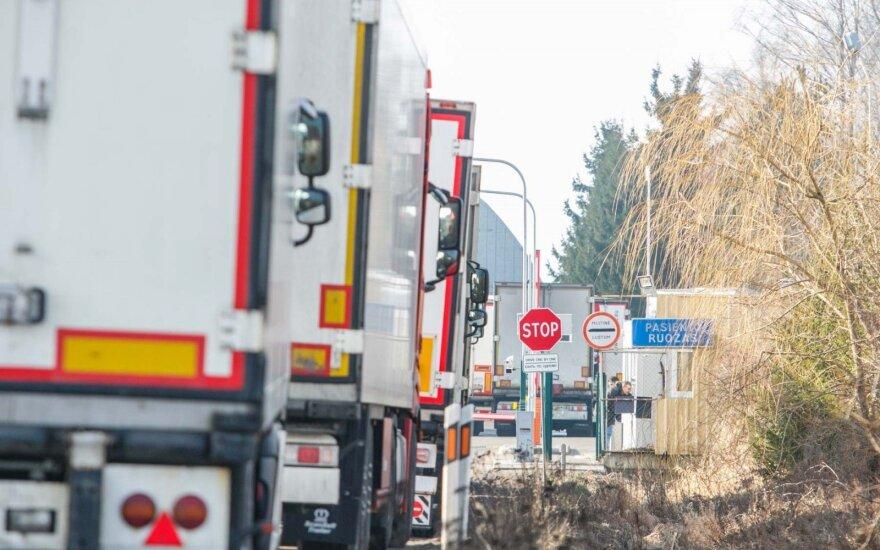 Sunkvežimių spūstys prie Karmėlavos