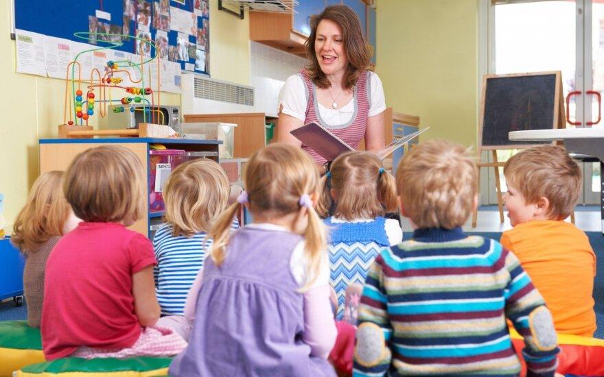 Министерство о зарплатах учителей: они получают больше 404 евро