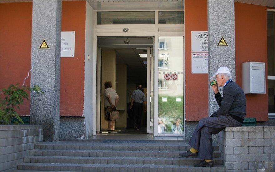Литовцы до сих пор жалуются на длинные очереди: как можно быстрее попасть к врачу?