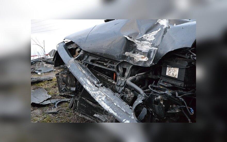 В Кайшядорском районе столкнулись поезд и автомобиль, один человек погиб