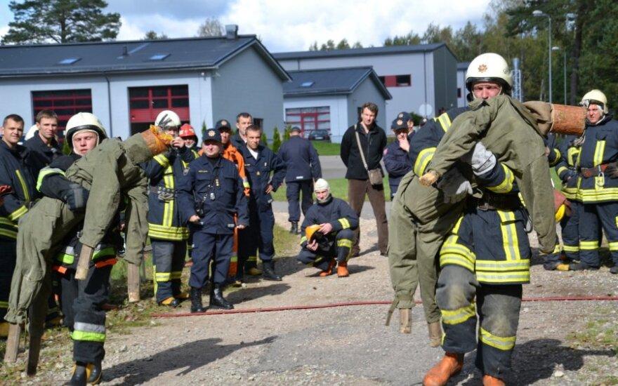 Из-за проблем Snoras пожарные не получили денег