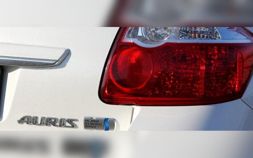 Эксперты доказали скромный аппетит Toyota Auris HSD