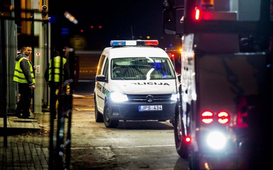 Бутылки в форме гранаты вызвали серьезный переполох в аэропорту Вильнюса