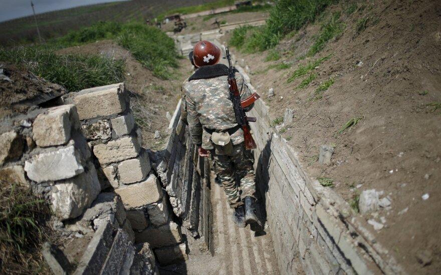 Почти 25 тысяч человек хотят пойти добровольцами в армию Азербайджана