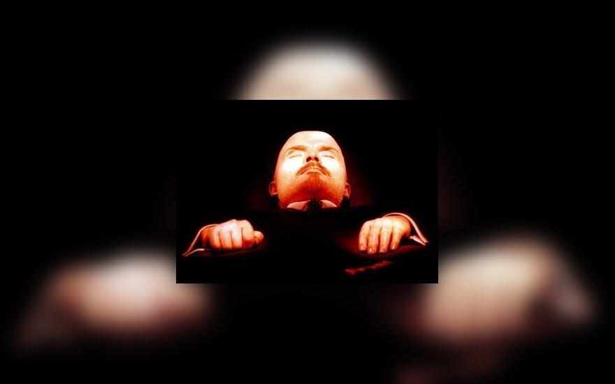 Россияне склоняются к выносу тела Ленина из Мавзолея