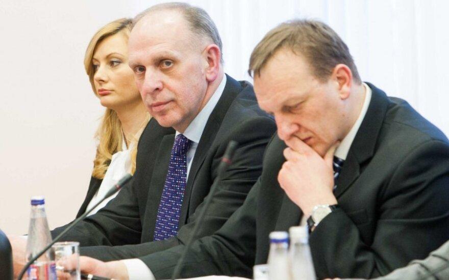 """Władysław Kondratowicz jako pierwszy z """"polskich"""" wiceministrów wrócił do pracy"""