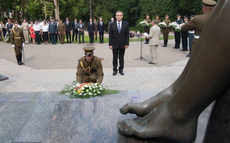 Близкие пострадавших от советской агрессии в Литве хотят отдельного закона о соцгарантиях