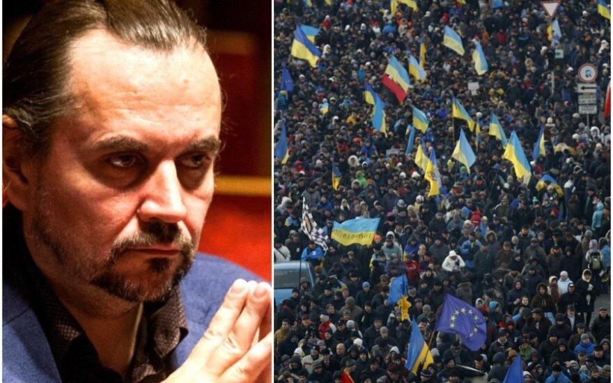 Режиссер Коршуновас: события в Украине напоминают митинги Саюдиса, это революция