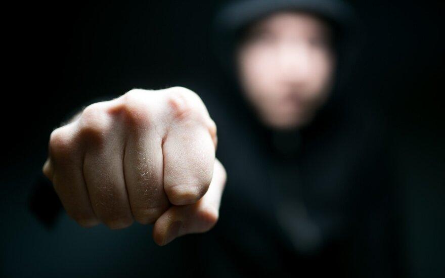В Вильнюсе в квартиру ворвались неизвестные, которые избили и ограбили мужчину