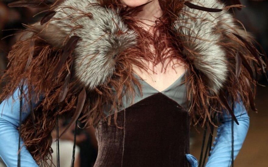 Alexis Mabille aukštosios mados kolekcija, pristatyta Paryžiuje (2011-2012 m. ruduo-žiema)