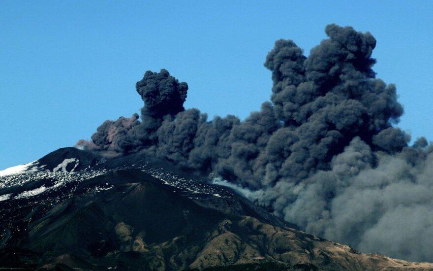 Išsiveržė Etnos ugnikalnis