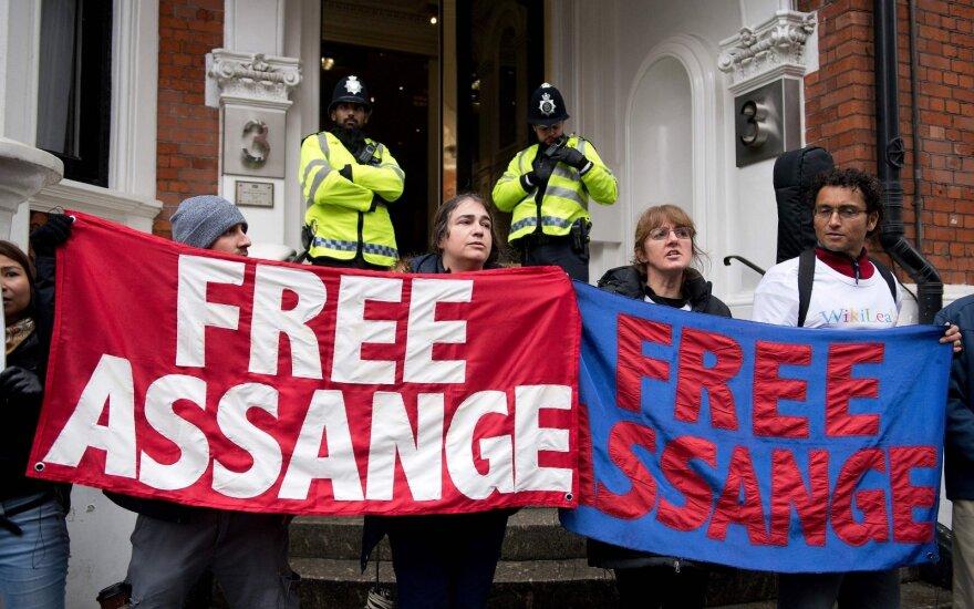Protestas už Julianą Assange'ą Londone