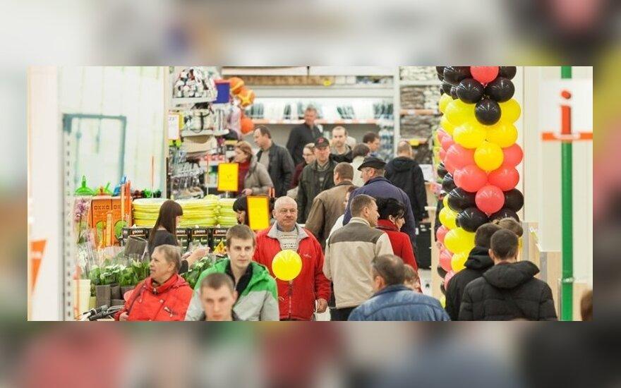 Šiauliuose duris atvėrė pirmasis Senukų prekybos centras
