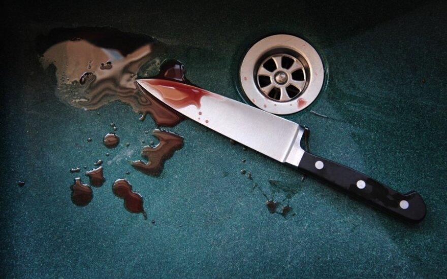 Новозеландцу вогнали нож в голову до рукоятки, но он выжил