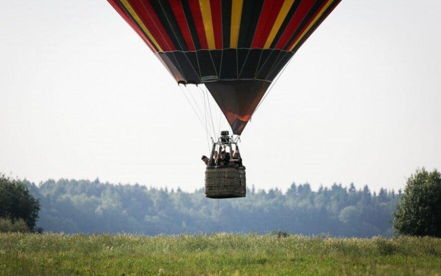 Четыре человека пострадали при крушении воздушного шара в США