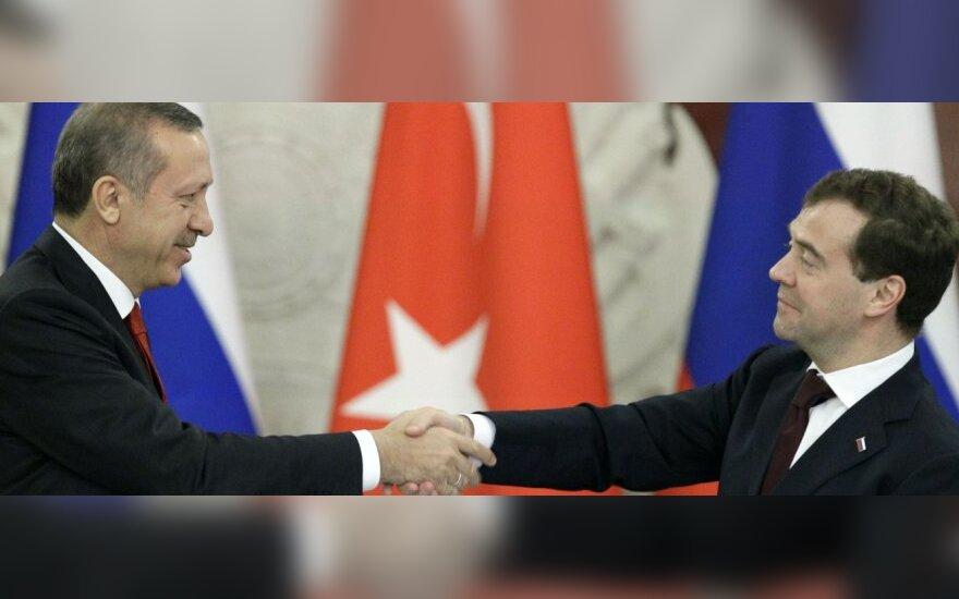 Россия и Турция отменили визы и построят АЭС