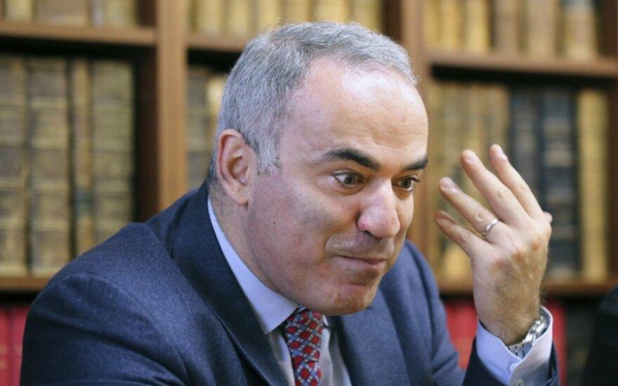 """Каспаров в Сенате призвал """"вырезать Путина как раковую опухоль"""""""