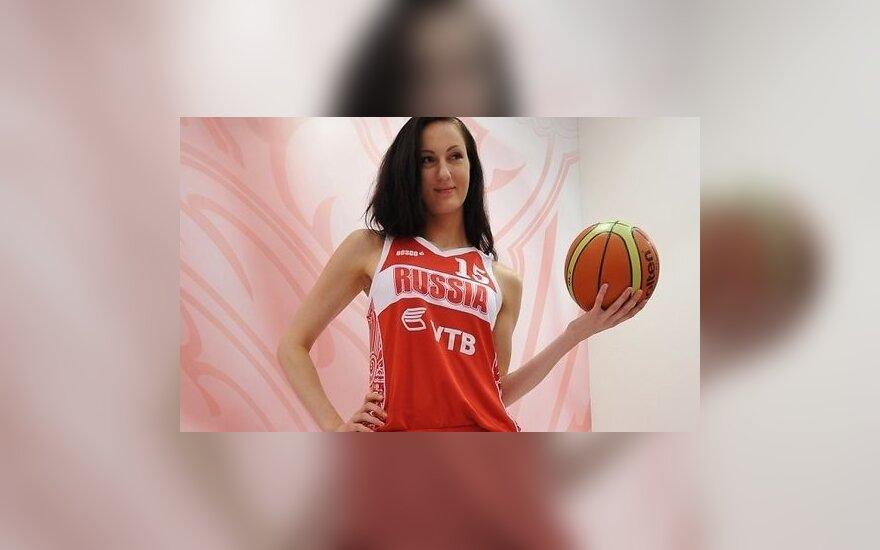 Российская модель и экс-баскетболистка признана самой длинноногой в мире