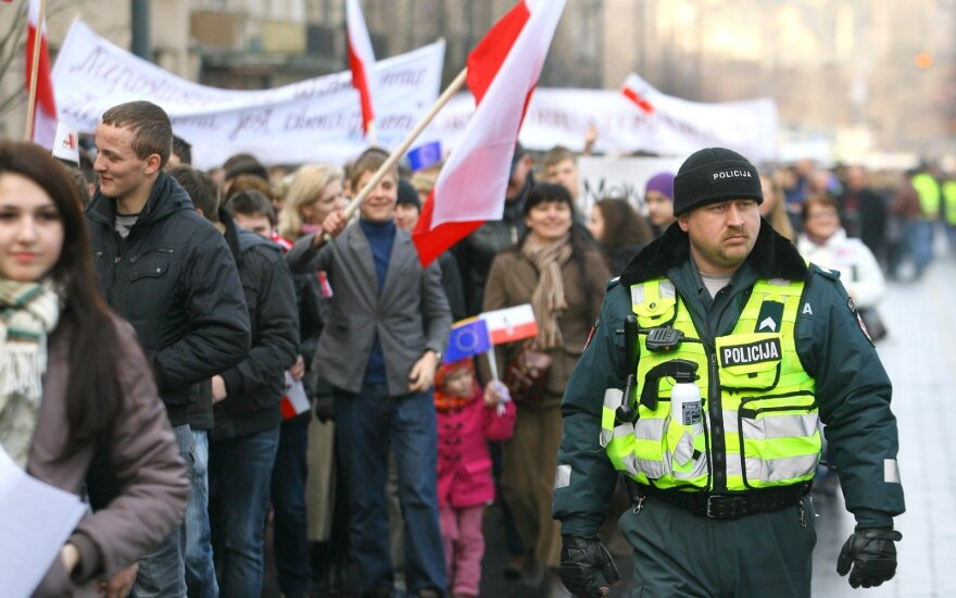 """Что имел в виду Департамент госбезопасности, предупреждая об """"особых правах"""" для поляков Литвы?"""