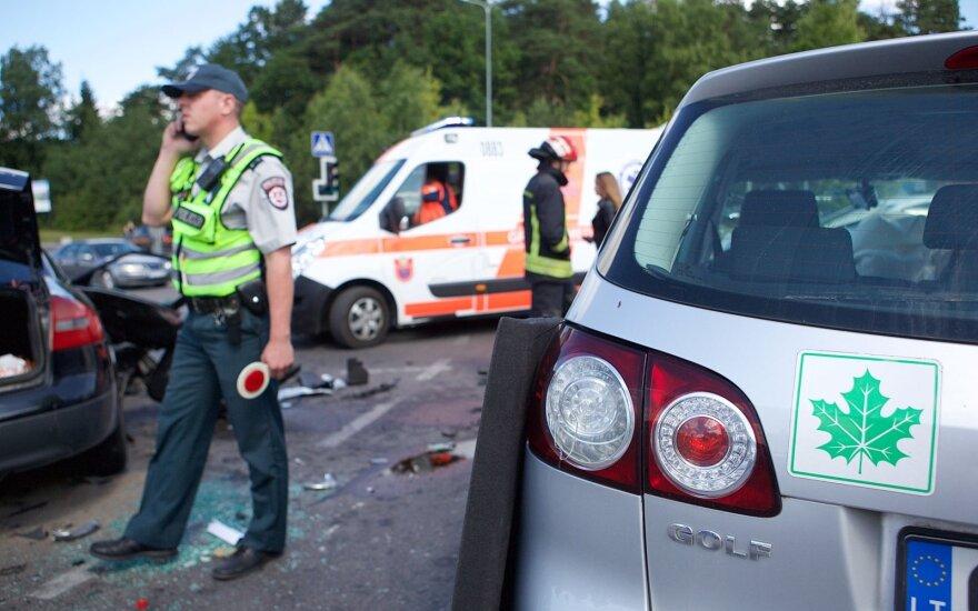 Треть ДТП в Литве совершают молодые водители