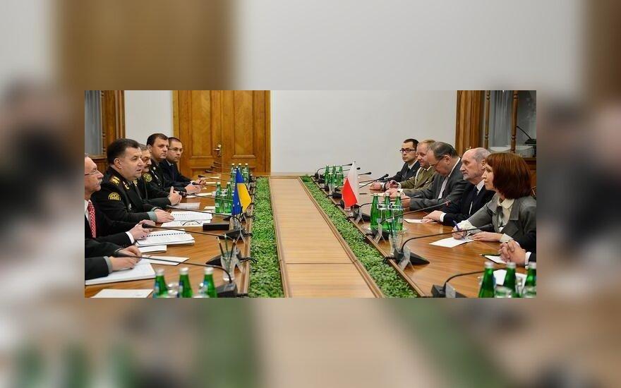 Minister Antoni Macierewicz z wizytą w Kijowie. Foto: MON RP