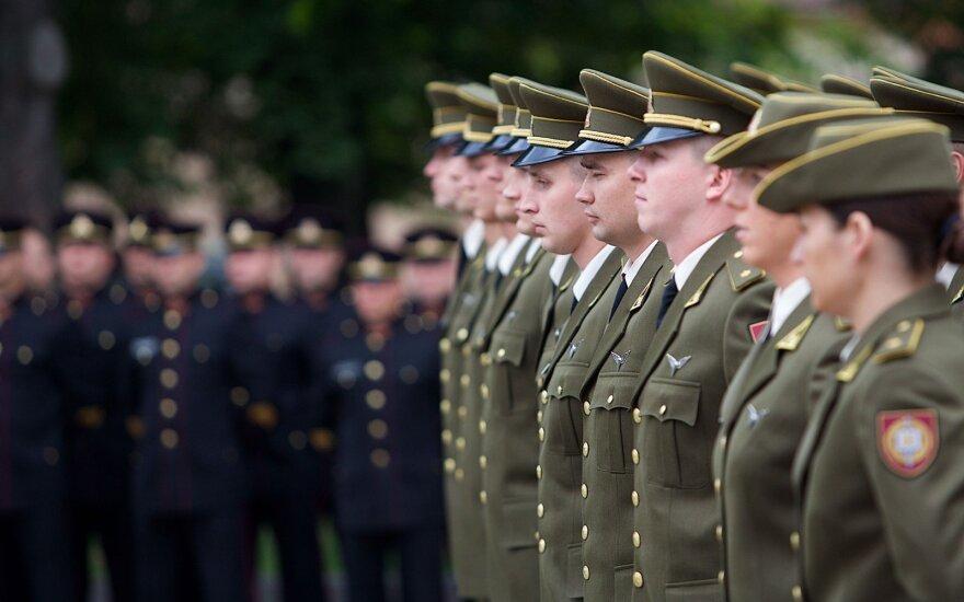 Сейм Литвы принял закон о повышении зарплат военнослужащих