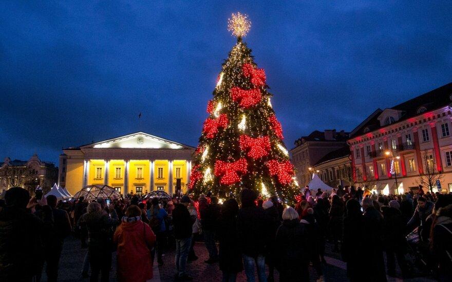 Зажгли огни на второй елке в Вильнюсе
