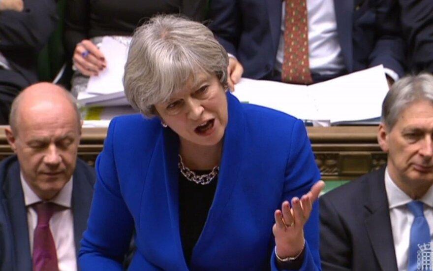 Damianas Greenas, Theresa May, Philipas Hammondas
