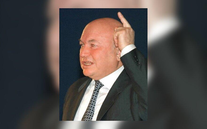 """НТВ показал антилужковский фильм """"Дело в кепке"""""""