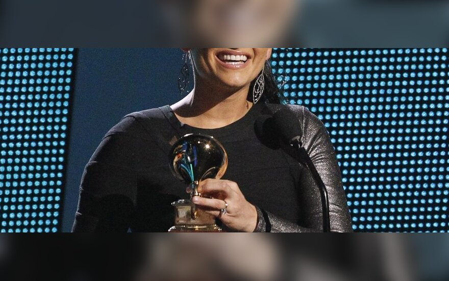 Нелли Фуртадо вернет $1 млн. за концерт для Каддафи