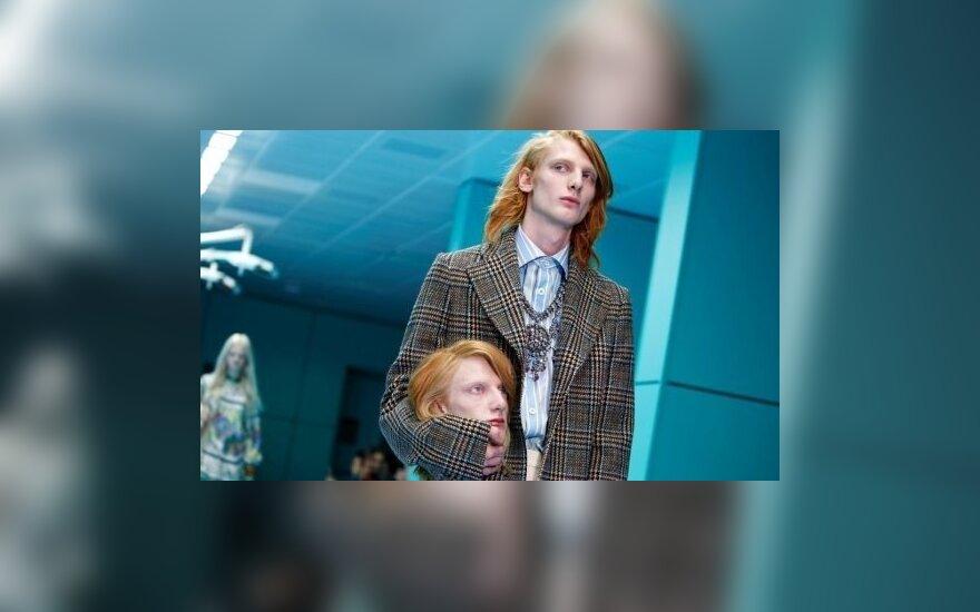 ФОТО: Модели вышли на подиум со своими головами в руках
