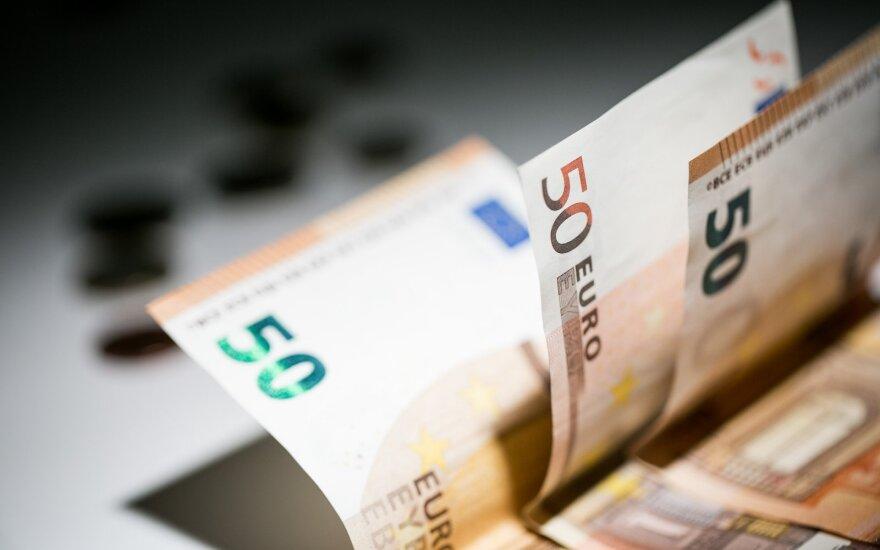 """Аппетиты молодежи в Литве растут: надеются на зарплату в 2000 евро """"на руки"""""""