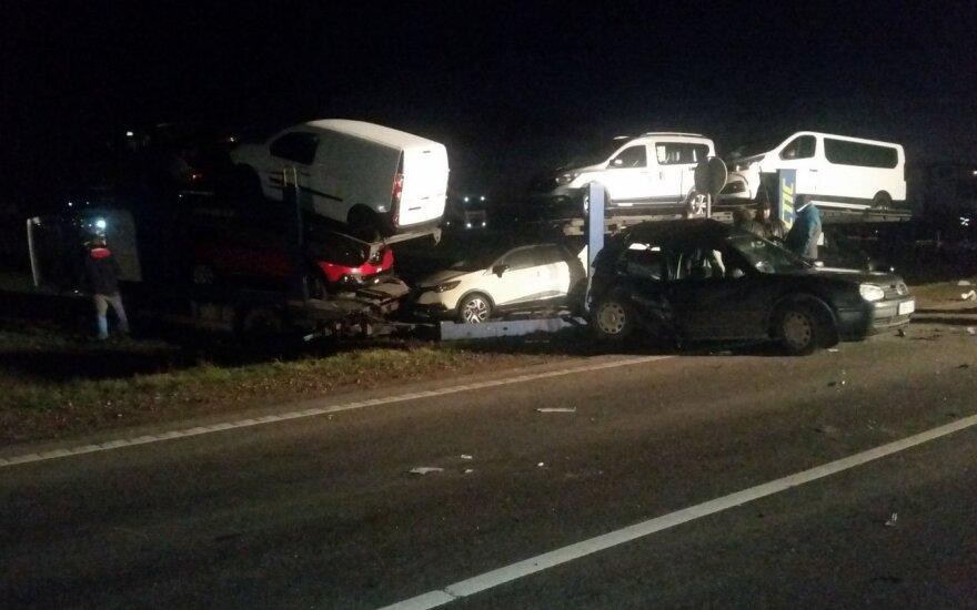 Крупная авария на дороге Via Baltika, движение перекрыто
