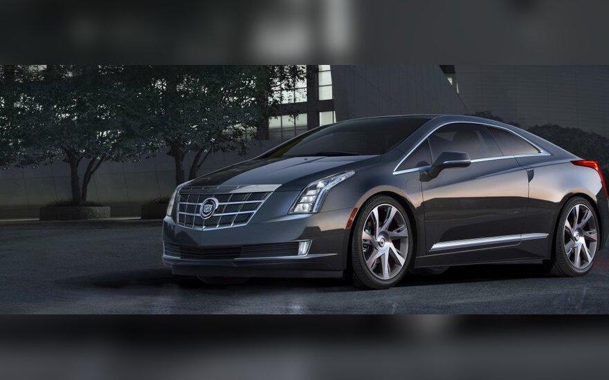 Cadillac выпустил первый экземпляр гибридного купе