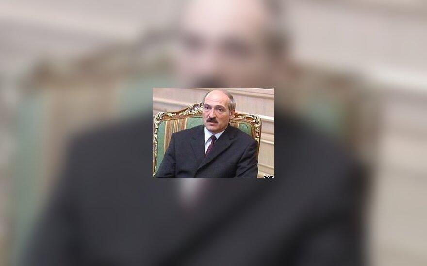 Р.Яковлевский: Лукашенко пытается взять Москву измором