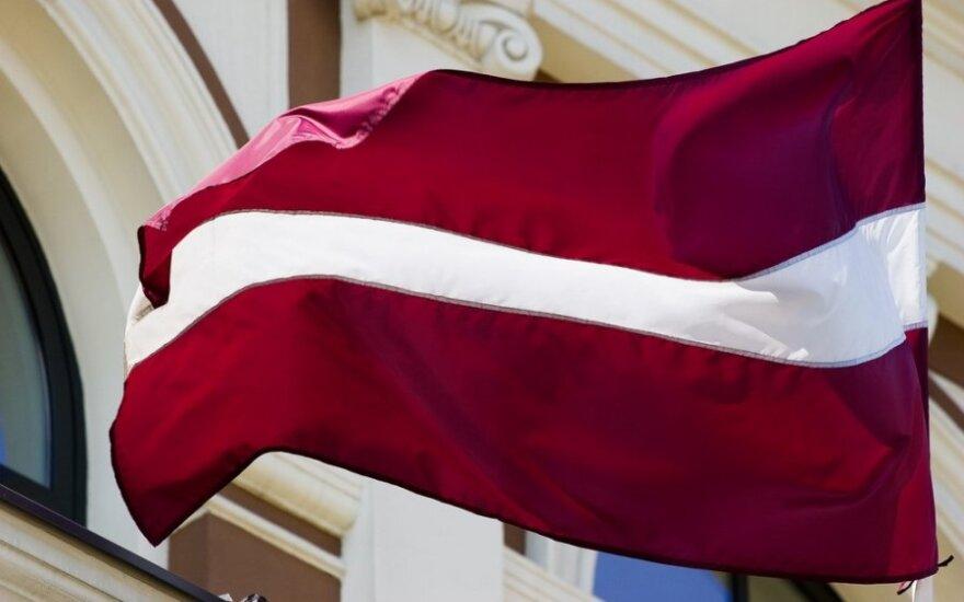 На въездах в Латвию должны будут висеть государственные флаги