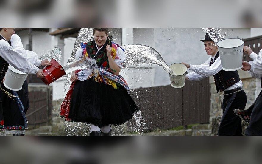 Венгерская традиция окатывания водой