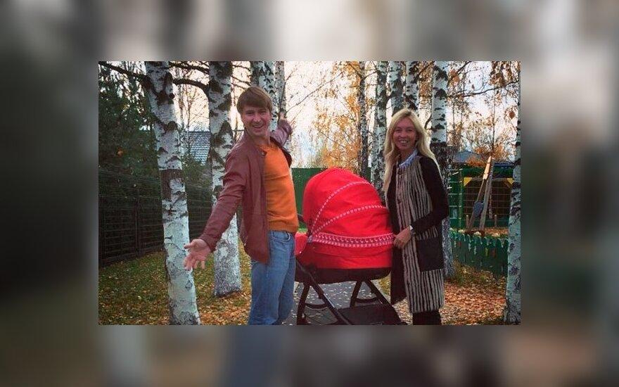 Ягудин и Тотьмянина показали младшую дочь